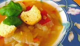 Het tomatisert løksuppe på en regnfull dag :)