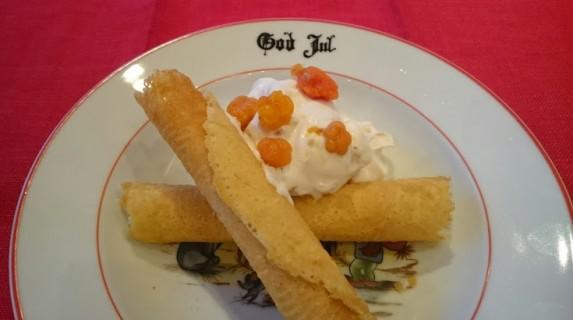 Gluten-og melkefrie krumkaker med moltekrem