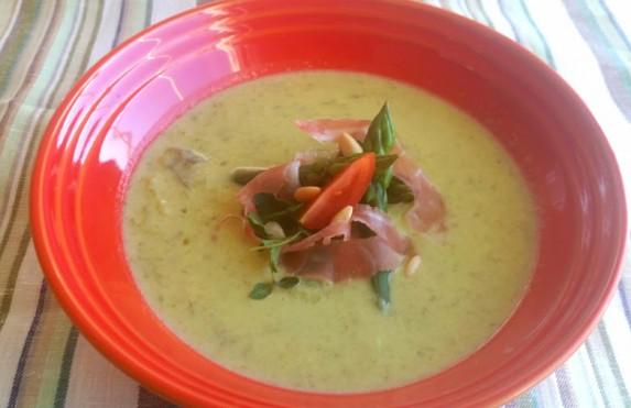 Aspargessuppe – en lekker forrett eller hovedrett som varmer