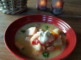 Enkel fiskesuppe med laks og scampi ala Koldjomfrua