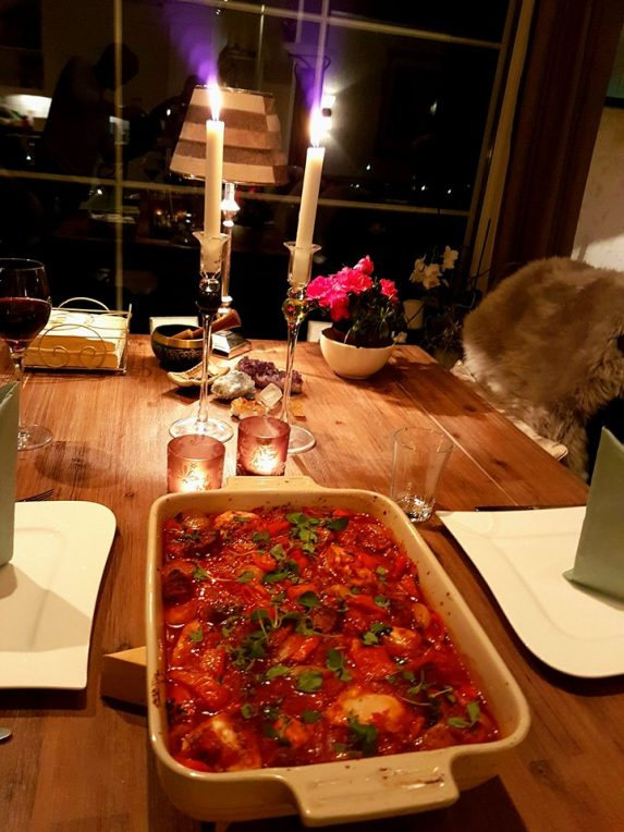 Ovnsbakt kylling i tomatsaus med chorizo og oregano